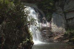 O som de quedas da água está relaxando assim Fotografia de Stock Royalty Free