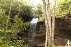 O som de quedas da água está relaxando assim Foto de Stock