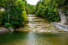 O soro de leite coalhado cai cachoeira do parque estadual Imagem de Stock