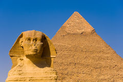 O Sphinx e a grande pirâmide Fotografia de Stock Royalty Free