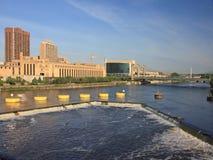 O St Anthony cai em Minneapolis fotos de stock royalty free