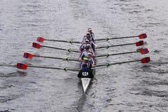 O St Catharines compete na cabeça da juventude Eights de Charles Regatta Women Imagem de Stock Royalty Free