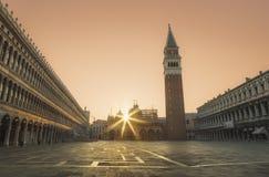 O St marca o quadrado, Veneza no nascer do sol Fotografia de Stock