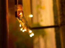 O sumário ilumina o fundo Festão coloridos, ano novo, néon Imagem de Stock Royalty Free