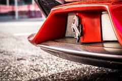 O supercarro de Ferrari 458 estacionou no circuito de Barcelona Imagens de Stock