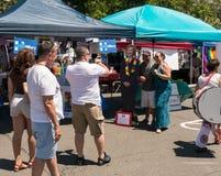 O suporte de Hillary no festival do orgulho de Rockland Fotografia de Stock