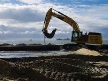 O suppletion da areia trabalha em Egmond Zee aan Foto de Stock Royalty Free