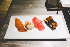 O sushi ajustou um estilo japonês de 4 partes Imagens de Stock