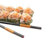 O sushi rola com salmões e aneto   foto de stock royalty free