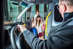 O táxi da carrinha pegara Imagens de Stock