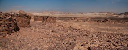 O túmulo de Nabatean que data cerca de 4000BC iluminou-se pelos últimos traços do Imagem de Stock