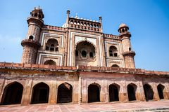 O túmulo de Safdarjung é um túmulo do jardim em um mausoléu de mármore em Deli, Índia foto de stock royalty free
