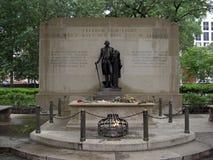 O túmulo do soldado revolucionário desconhecido da guerra em Washington Square em Philadelphfia, 2008 foto de stock royalty free