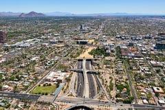 O túnel do parque da plataforma em Phoenix, o Arizona viu do oeste ao leste ao longo de 10 de um estado a outro Imagem de Stock