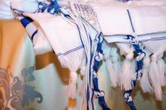 O tallit judaico azul e branco imagem de stock royalty free