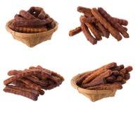 O tamarindo maduro doce remove as sementes e o shell isolados em um whi Fotos de Stock Royalty Free