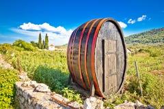 O tambor de madeira em Hvar plains a paisagem imagem de stock