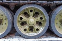 O tanque roda o verde foto de stock royalty free