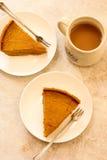 O tarte de abóbora corta a vista superior imagens de stock royalty free