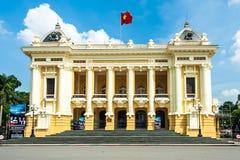 O teatro da ópera em Hanoi fotos de stock royalty free