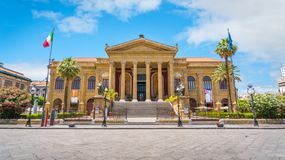 O Teatro Massimo em Palermo Sicília, Itália do sul fotografia de stock royalty free