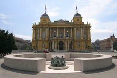 O teatro nacional croata e bem da vida em Zagreb Foto de Stock