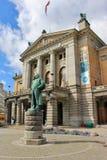 O teatro nacional de Oslo, capital de Noruega, Europa Imagens de Stock