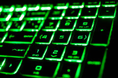 o teclado de computador fluorescente verde Fotos de Stock