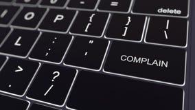 O teclado de computador preto e a incandescência queixam-se chave Rendição 3d conceptual Fotos de Stock Royalty Free