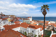 O telhado de Lisboa de Portas faz o ponto de vista do solenoide - Miradouro em Portu Fotos de Stock