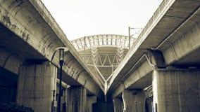 O telhado do estação de caminhos-de-ferro de alta velocidade com o filtro cinemático da cena Imagem de Stock