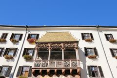 O telhado dourado famoso (Goldenes Dachl) em Innsbruck, Áustria Foto de Stock Royalty Free