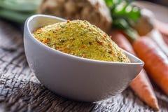 O tempero de Vegeta tempera o condimento com as pastinaga e sal desidratados do aipo da salsa da cenoura com ou sem o glutamato Imagens de Stock