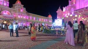 O templo é decorado pela arquitetura indiana foto de stock
