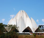 O templo, construído sob a forma de uma flor de lótus Imagem de Stock