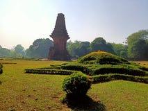O templo de Bajang Ratu herdou do reino de Majapahit imagens de stock royalty free