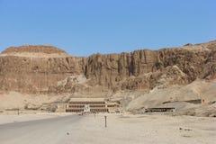 O templo de Hatshepsut, Cisjordânia, Luxor, Egito imagem de stock
