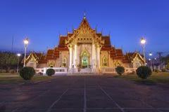 O templo de mármore com céu azul imagem de stock royalty free
