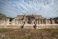O templo de mil guerreiros, Chichen Itza, México Fotos de Stock Royalty Free