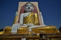 O templo de quatro monges das caras em Myanmar Fotografia de Stock