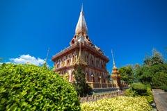 O templo de Wat Chalong Buddhist em Chalong, Phuket, Tailândia imagens de stock royalty free