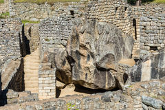 O templo do condor Machu Picchu arruina o Pe peruano de Andes Cuzco fotografia de stock