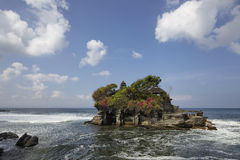 O templo do lote de Tanah, o templo o mais importante do indu de Bali Imagens de Stock Royalty Free