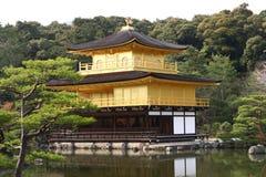 O templo do pavilhão dourado Fotos de Stock