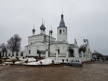 O templo do prelado John Chrysostom em Godenovo em quem a cruz detrabalho é armazenada fotografia de stock royalty free