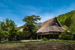O templo Shirakawa-vai dentro Imagens de Stock