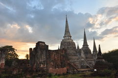 O tempo crepuscular em Wat Phra Si San Phet Imagens de Stock