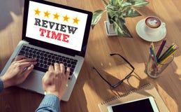 O tempo da revisão exprime o conceito foto de stock