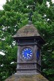 O tempo voa torre de pulso de disparo em Hyde Park, Londres Reino Unido fotografia de stock