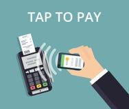 O terminal da posição confirma o pagamento do smartphone Pagamento e conceito móveis da tecnologia de NFC Ilustração lisa do esti Imagens de Stock Royalty Free